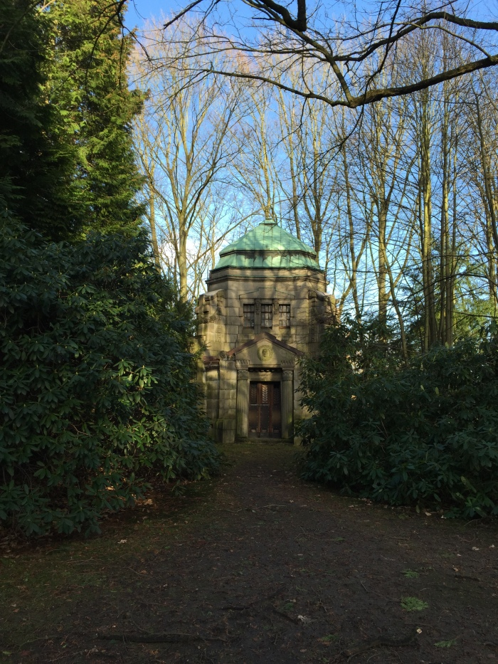 Friedhof 11