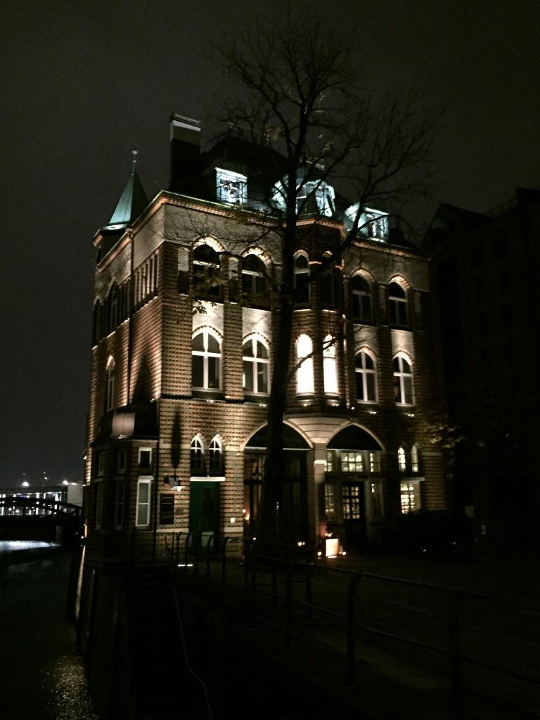 Speicher bei Nacht