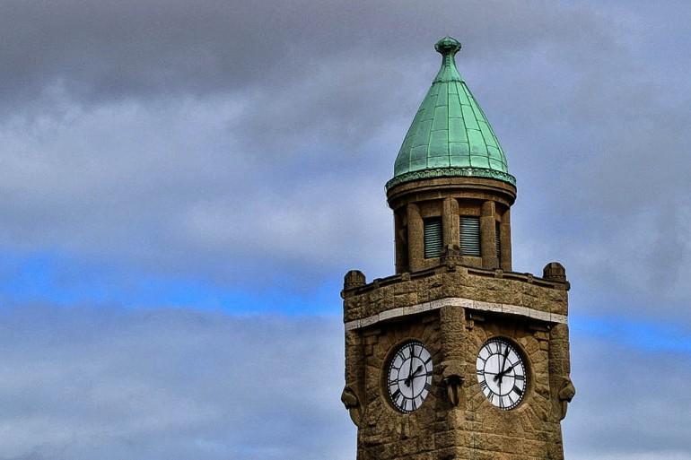 Pegelturm - Wer hat an der Uhr gedreht